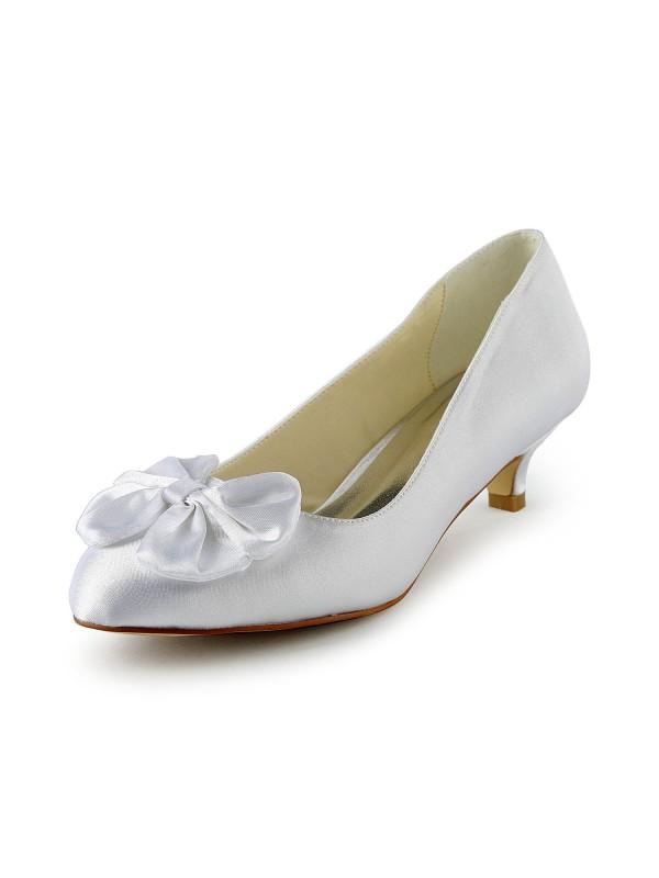 De las mujeres Satén Kitten Heel Pumps Con Lazos Blanco Zapatos de boda