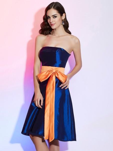Corte en A/Princesa Sin Tirantes Sin Mangas Fajas/Lazos/Cinturones Corto Taffeta Vestidos de dama de honor