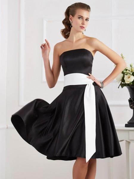 Corte en A/Princesa Sin Tirantes Sin Mangas Fajas/Lazos/Cinturones Corto Satén Vestidos de dama de honor