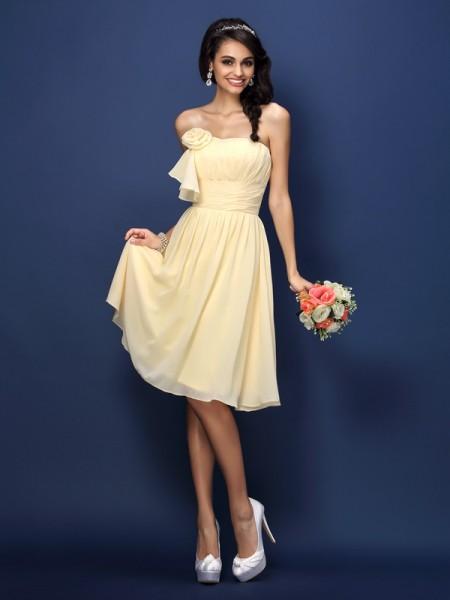 Corte en A/Princesa Sin Tirantes Flores hechas a mano Plisado Sin Mangas Corto Gasa Vestidos de dama de honor