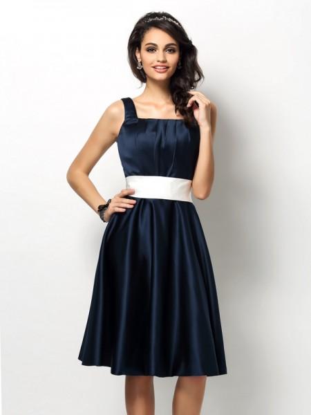 Ajustado/Tipo Columna Escote Cuadrado Fajas/Lazos/Cinturones Sin Mangas Corto Satén Vestidos de dama de honor