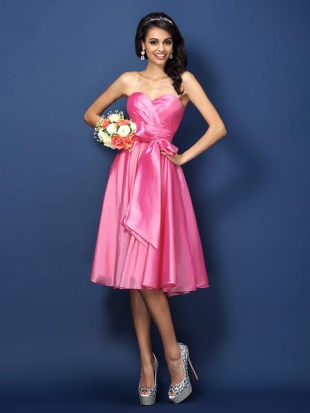 Corte en A/Princesa Escote de Corazón Lazos Sin Mangas Corto Taffeta Vestidos de dama de honor