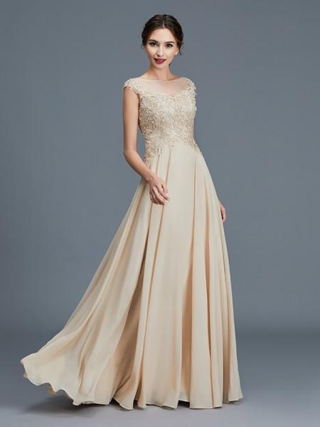 Vestidos para madrinas de boda color dorado