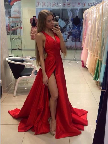 Corte en A/Princesa Escote Halter Sin Mangas Cola de Barrido Tafetán Vestidos